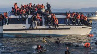 Czym różni się imigrant od uchodźcy? Prawne różnice, o których zapomina wielu prawicowych dziennikarzy