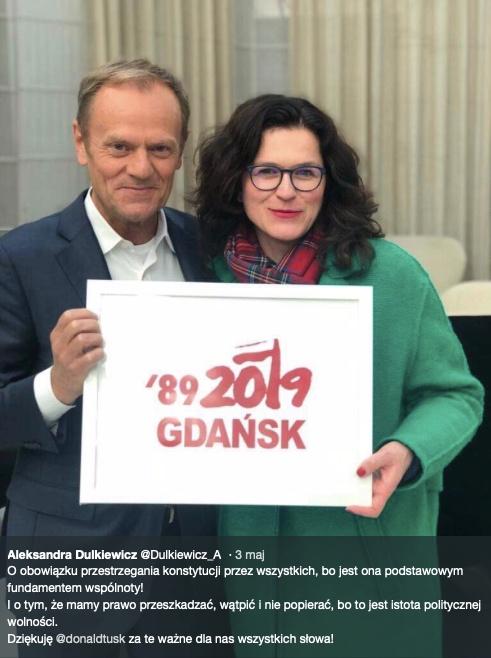 Przerobione zdjęcie Donalda Tuska i Aleksandry Dulkiewicz obiegło sieć. W jego prawdziwość uwierzyło wielu internautów