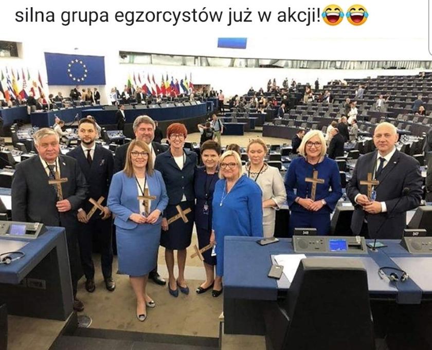 Parlament Europejski: fotomontaż z udziałem polskich polityków