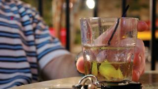 Ile alkoholu piją Polacy? Statystyki