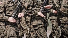 Obowiązkowa służba wojskowa powróci w Polsce? Doniesienia wracają jak bumerang, a nie mają nic wspólnego z prawdą