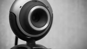 Oszuści szantażują rzekomymi intymnymi nagraniami z kamer internetowych. Eksperci ostrzegają