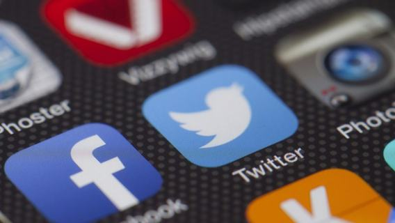 Twitter rezygnuje z reklam politycznych. Powodem technologia deepfake