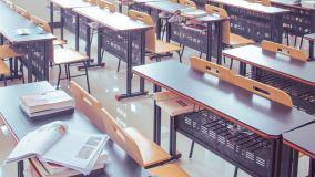 Pytanie o nową lekturę szkolną podczas debaty wyborczej KO, PiS i SLD. Politycy zaliczyli szereg wpadek