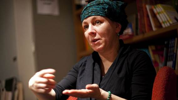 Olga Tokarczuk miała nie zapłacić podatku od Nobla. Co z realizacją obietnicy ministra?