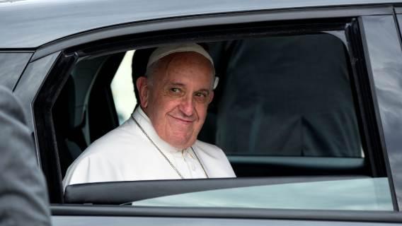 Chciał sprostować fake newsa o Franciszku. Został zablokowany przez znanego dziennikarza, autora nieprawdziwej informacji