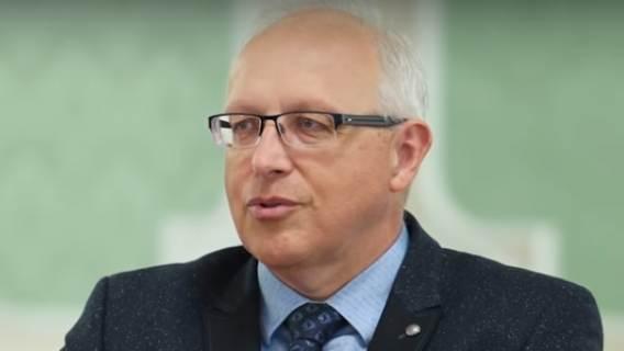"""Prof. Flisiak: """"Im więcej się bada, tym więcej się wykrywa"""". Ekspert uspokaja ws. koronawirusa"""
