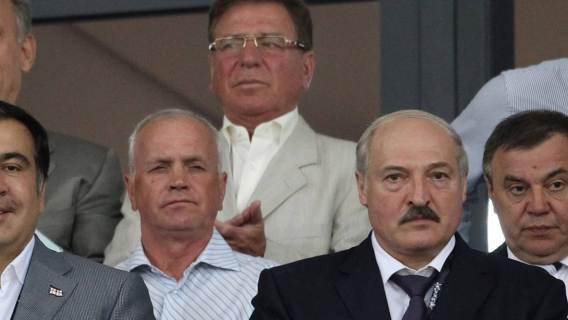 Aleksandr Łukaszenka dostał samochód od Elona Muska?